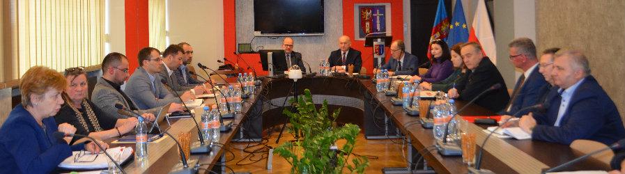 Koronawirus tematem posiedzenia Powiatowego Zespołu Zarządzania Kryzysowego